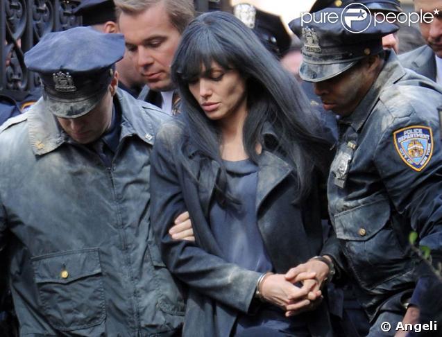 "Angelina Jolie lors du tournage de ""Salt"", à New York, en mars 2009."