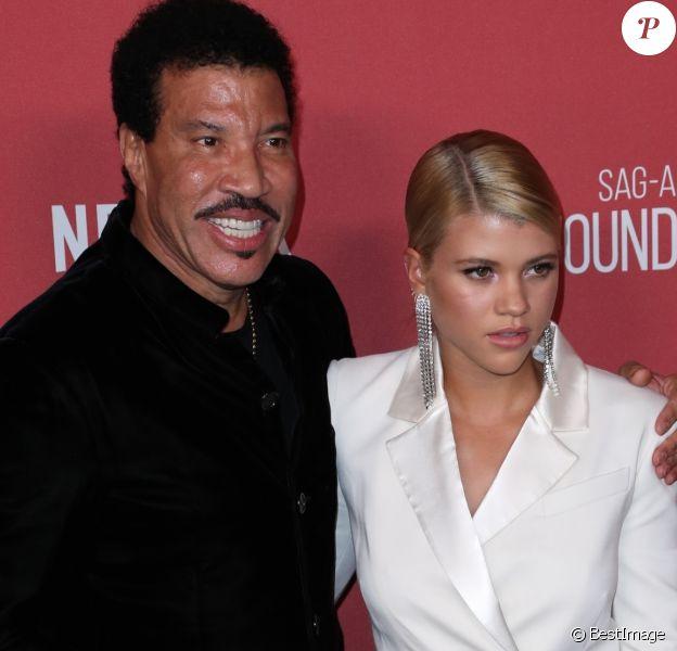 Lionel Richie et sa fille Sofia Richie à la soirée caritative SAG-AFTRA au Wallis Annenberg Center à Beverly Hills, le 9 novembre 2017