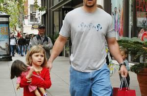 Mark Wahlberg et sa jolie petite fille se retrouvent... rien qu'entre eux !