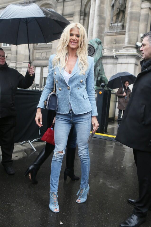 """Victoria Silvstedt - Arrivées au défilé de mode """"Balmain"""", collection prêt-à-porter automne-hiver 2018/2019, à Paris. Le 2 mars 2018 © CVS-Veeren / Bestimage"""