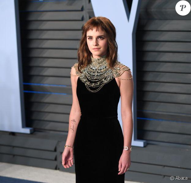 Emma Watson (avec un tatouage Time's Up) lors de la Vanity Fair Oscar Party à Beverly Hills, Los Angeles, le 4 mars 2018.