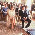 La princesse Caroline de Monaco et Stefano Casiraghi lors de leur mariage le 23 décembre 1983, en présence du prince Albert, de la princesse Stéphanie et du prince Rainier III.