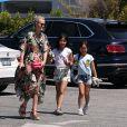 Exclusif - Johnny Hallyday va déjener avec sa femme Laeticia, ses filles Jade et Joy et un ami au restaurant Scopa Italian Roots à Venice le 21 mai 2017