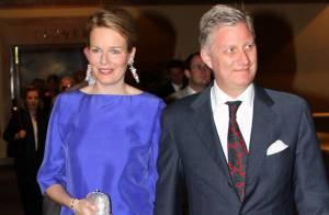 La Princesse Mathilde de Belgique ose... le décolleté plongeant !