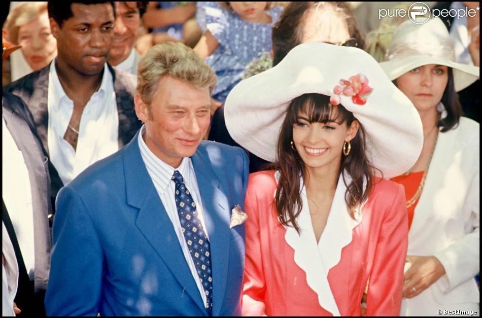 Premier mariage d\u0027Adeline Blondieau et Johnny Hallyday à Ramatuelle, le 9  juillet 1990
