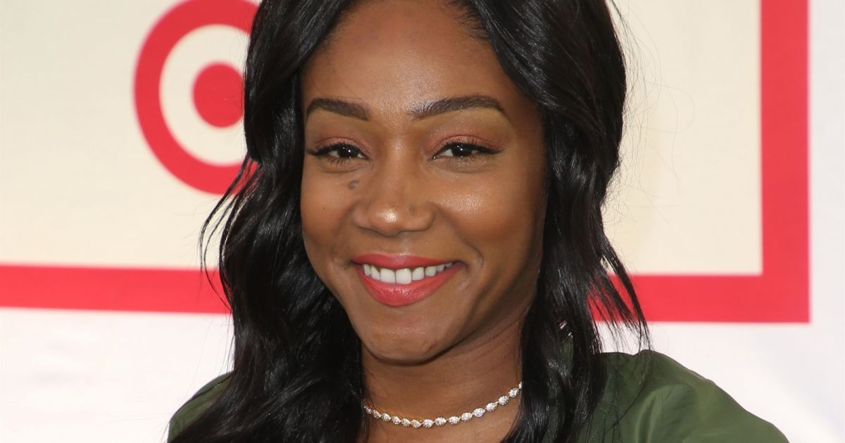 tiffany haddish festival hunter for target ultimate family pasadena le 25 mars 2018. Black Bedroom Furniture Sets. Home Design Ideas
