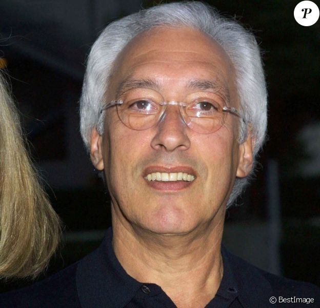 Steven Bochco lors de la soirée pour la série New York Police Blues en 2002