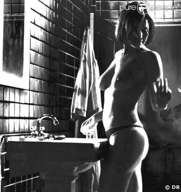 """Carla Gugino absolument divine, dans une scène du très réussi """"Sin City"""", de Robert Rodriguez, en 2005 !"""