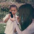 Kim Kardashian et son fils Saint West. Avril 2018.