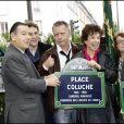 Inauguration de la place Coluche dans le 14e arrondissement de Paris en présence de Renaud, Véronique Colucci, Romain Colucci, Josiane Balasko, le 29 octobre 2006.