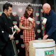Bella Hadid, ambassadrice de TAG Heuer, assiste à la cérémonie d'ouverture d'une nouvelle boutique TAG Heuer dans le quartier de Ginza à Tokyo, Japon, le 9 avril 2018.