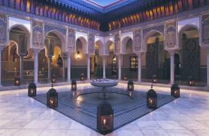 La Mamounia, le repère des stars au Maroc, invite tous ses VIP pour... une incroyable vente aux enchères !