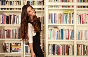 Alanis Morissette : Le nouveau look de la chanteuse fait sensation !