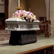 George H.W. Bush : Déchirante photo devant le cercueil de sa femme...