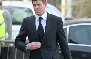 Steven Gerrard plaide... non coupable !