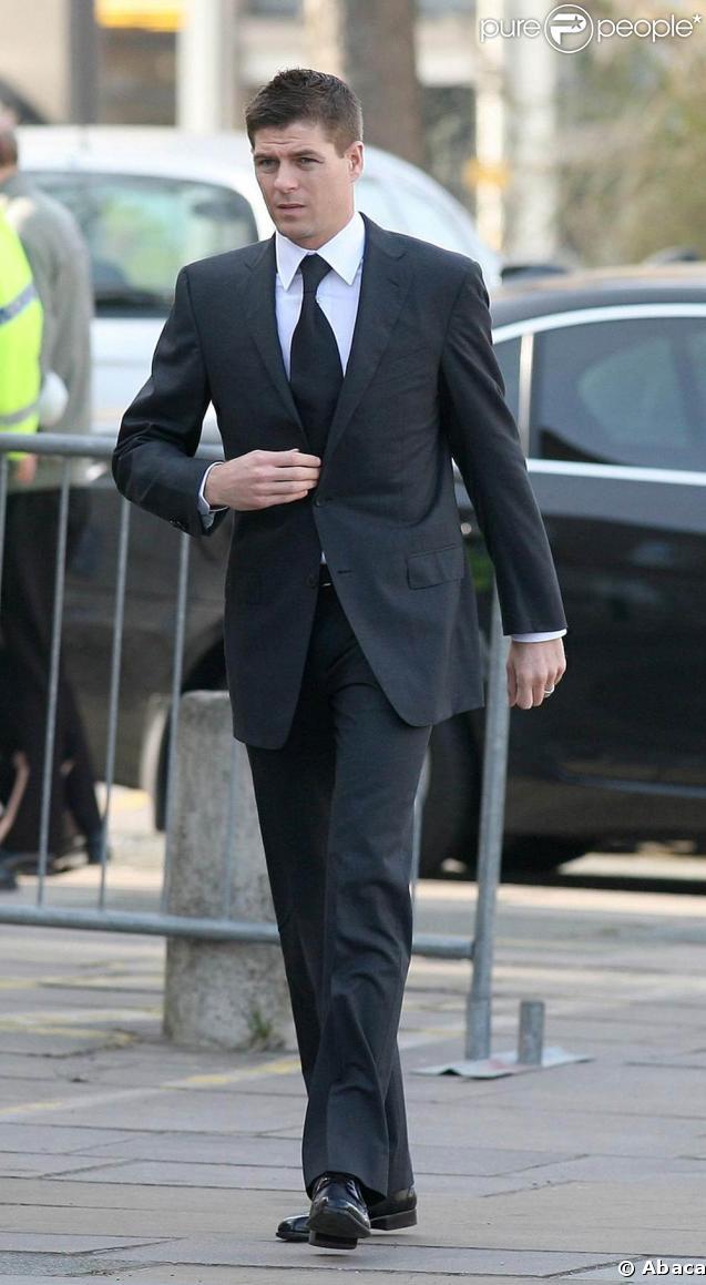 Steven Gerrard plaide non coupable...