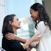Zoe Saldana reçoit son étoile : la déclaration d'amour de sa copine Mila Kunis