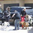 Laeticia Hallyday accompagnée de sa chienne Cheyenne va déjeuner avec Jean-François Piège et sa femme Elodie, Yaël Abrot, Christina accompagnée de sa chienne et Ezra Petronio avec sa compagne Lana Petrusevych au restaurant Nobu à Malibu le 10 mai 2018.