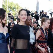 """Cannes 2018 : Marion Cotillard mène la danse """"girl power"""" avec 81 autres femmes"""