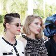 Kristen Stewart et Léa Seydoux - Montée des marches du film « Les Filles du Soleil » lors du 71ème Festival International du Film de Cannes. Le 12 mai 2018 © Borde-Jacovides-Moreau/Bestimage