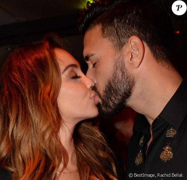 Exclusif - Nabilla Benattia et Thomas Vergara s'embrassent lors d'une soirée privée à la Villa des Amandiers lors du 71ème Festival International de Cannes le 14 mai 2018. © Rachid Bellak/Bestimage