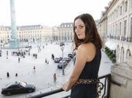 Kaya Scodelario (Le Labyrinthe) : Spectatrice d'un défilé de majordomes à Paris
