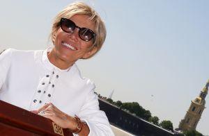 Brigitte Macron en Russie : Elégante et rayonnante en veste blanche