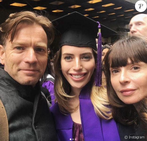Ewan McGregor, Clara McGregor et Eve McGregor pour la remise du diplôme de Clara à New York le 18 mai 2018