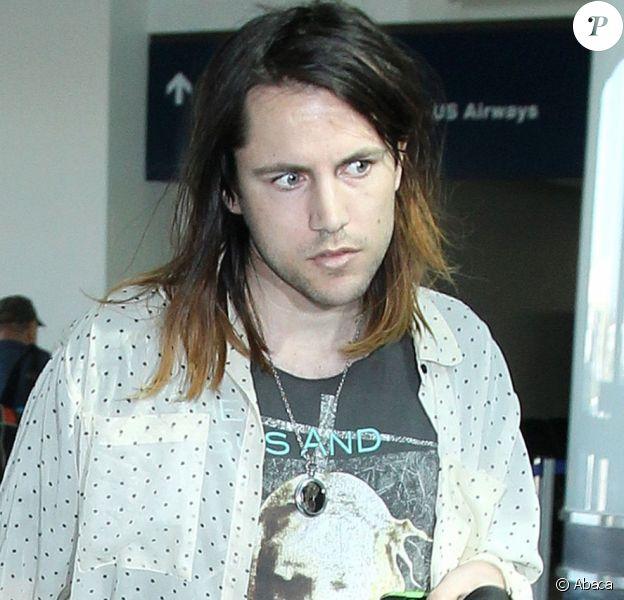 Frances Bean Cobain et Isaiah Silva arrivent à LAX, le 23 janvier 2015