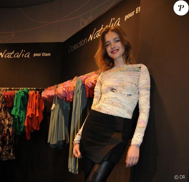 Natalia Vodianova chez Etam pour le lancement de sa collection mercredi 8 avril