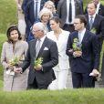La princesse Victoria, le prince Daniel, le roi Carl XVI Gustaf et la reine Silvia de Suède inauguraient le 5 juin 2018 à Stockholm le mémorial en hommage aux 543 Suédois morts lors du tsunami de 2004.