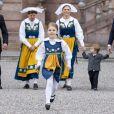 La princesse Estelle de Suède bondissante au palais Drottningholm à Stockholm devant le roi Carl XVI Gustaf, la reine Silvia, la princesse Victoria, le prince Oscar et le prince Daniel alors que la famille royale de Suède célébrait le 6 juin 2018 la Fête nationale suédoise.