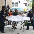 Le corps de la styliste Kate Spade, retrouvée morte dans son appartement de New York, est évacué le 5 juin 2018. La police confirme la thèse du suicide.