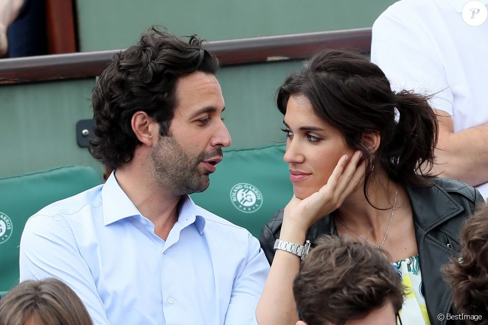 Laurie Cholewa et son fiancé Greg Levy - People dans les tribunes lors des Internationaux de France de Tennis de Roland-Garros à Paris le 1er juin 2018. © Dominique Jacovides-Cyril Moreau / Bestimage