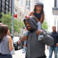 Kanye West avec sa fille North et son amie Ryan à New York le 15 juin 2018, le jour de l'anniversaire de North.  Singer Kanye West is walking out with his children North West and friend Ryan the day of North's birthday in New York, NY on June 15, 2018.15/06/2018 - New York