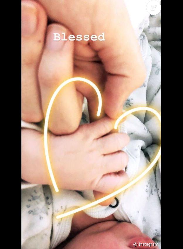 Candice Swanepoel annonce la naissance de son deuxième enfant sur Instagram le 19 juin 2018.