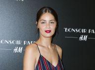 Marie-Ange Casta sublime pour H&M devant Sara Forestier, soutien-gorge à l'air