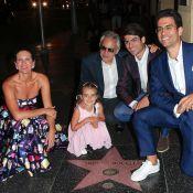 Andrea Bocelli fait le touriste avec femme et enfants... devant son étoile !