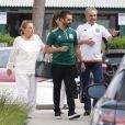 Exclusif - José Baston passe du bon temps avec ses parents après l'accouchement de sa femme Eva Longoria à Malibu le 23 juin 2018