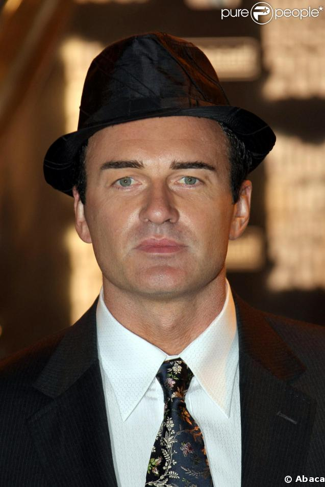Julian McMahon - Gallery Photo