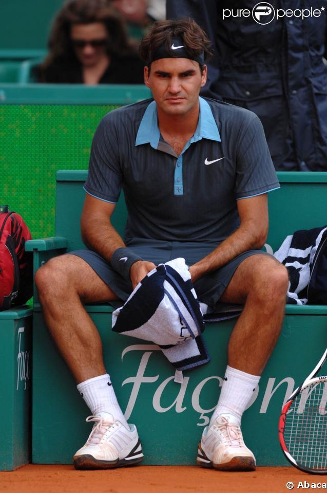Roger Federer, battu et abattu sous les yeux de sa femme...