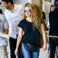 Shakira arrive à l'aéroport de Miami, le 7 mars 2018.