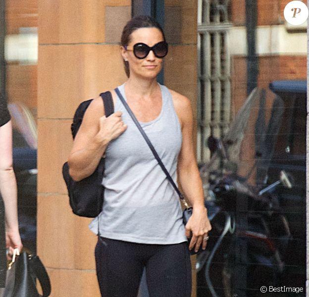 """Exclusif - Pippa Middleton, enceinte, arrive à la salle de sports ultra select """"KX"""". Londres, le 6 juin 2018."""