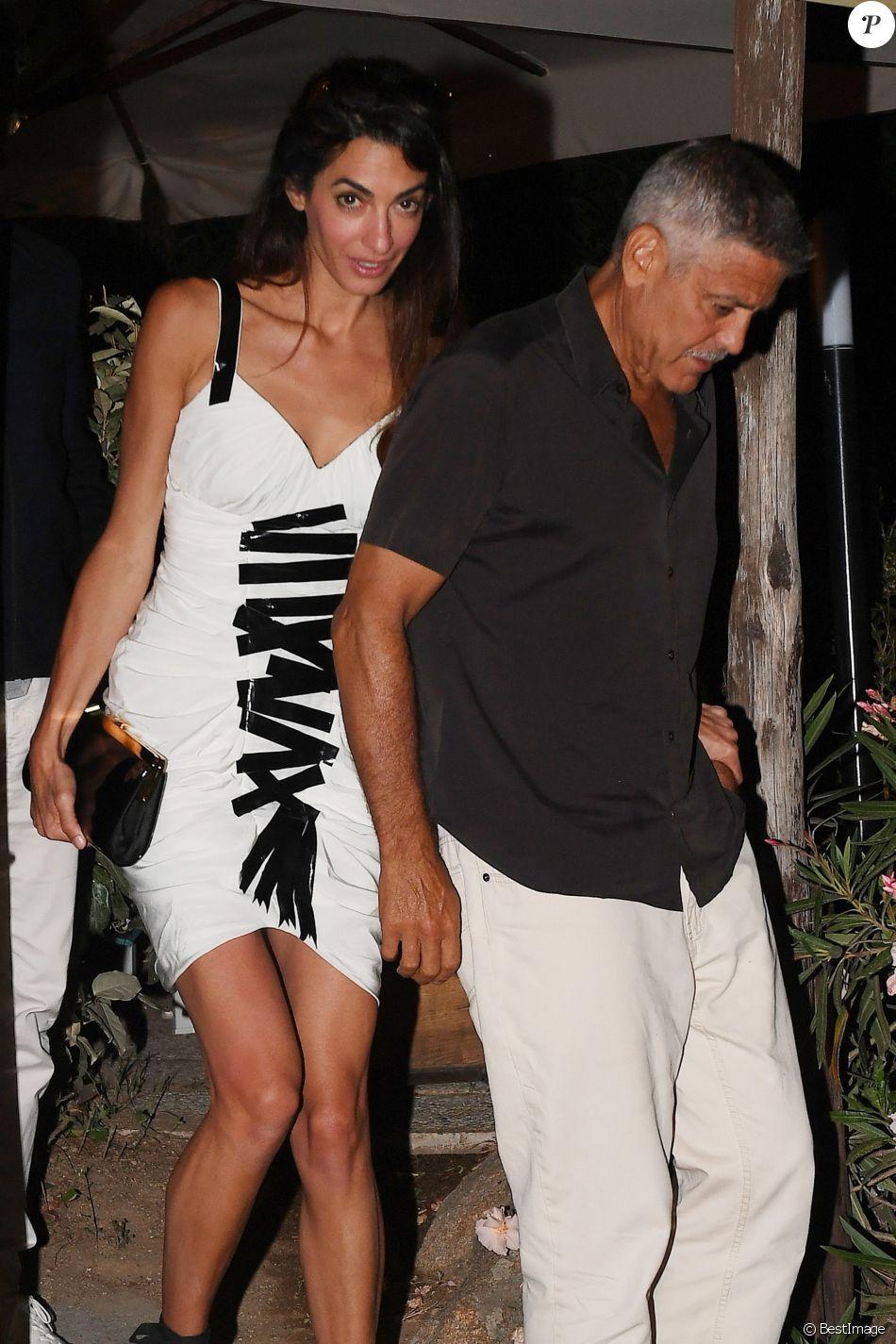 Exclusif - Amal et George Clooney sont allés diner en amoureux au restaurant La Tavernetta à Porto San Paolo en Italie, le 30 juin 2018