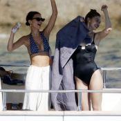 Gigi Hadid et Emily Ratajkowski réunies pour une virée bateau à Mykonos