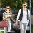 Ashley Greene et son petit-ami Paul Khoury se promènent main dans la main à Studio City, le 18 novembre 2014.