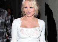 Pamela Anderson brandit à son tour le trophée des Bleus avec Adil Rami !