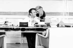Brigitte et Emmanuel Macron, couple tendre dans un rare moment d'intimité