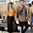 Paris Hilton et son fiancé Chris Zylka font du jet ski au large de Mykonos en Grèce, le 10 juillet 2018.