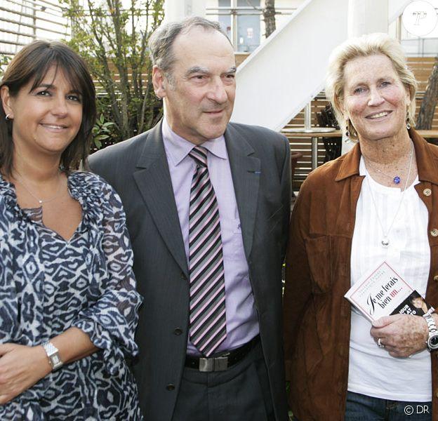 Bernard Vaussion, le Chef de l'Elysée, avec Valérie Expert et Véronique André lors de la soirée de lancement de leur livre Je me ferais bien un... le 22/04/09, à la Maison Blanche.